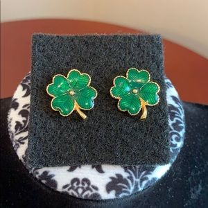 ⬇️ Vintage Avon Enamel Clover Earrings